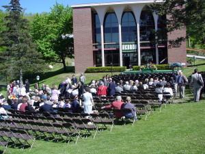 アメリカの高校の卒業式風景