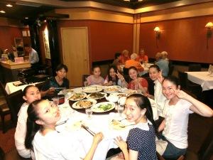 アルバータバレエのサマースクール参加者の食事会
